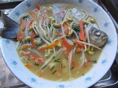 豆芽鲫鱼汤