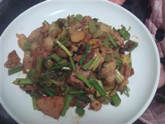 芹菜回锅肉