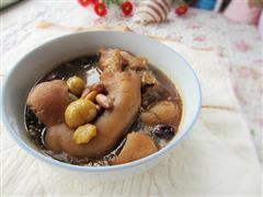 栗子红枣蹄花汤