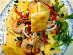 海鲜馄饨伴核桃蘑菇