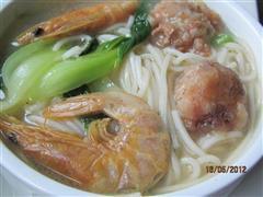 青菜虾干肉丸面