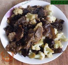 菜花木耳炒肉