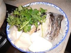 香煎鱼头豆腐汤