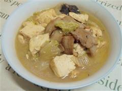 上汤香菇白菜炖豆腐