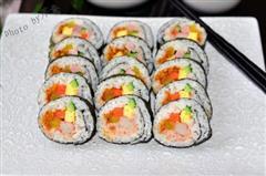 金枪鱼沙拉紫菜包饭
