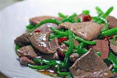 油菜拌猪肝