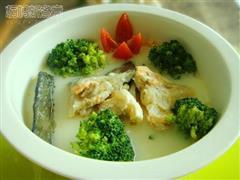 三文鱼骨奶酪汤