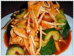 黄花菜凉拌黄瓜