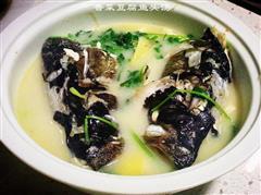 香菜鱼头豆腐汤