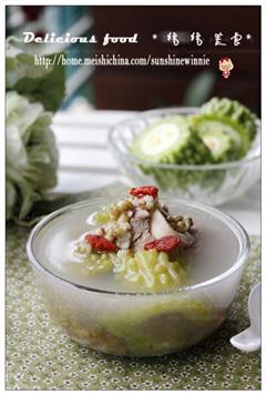 苦瓜绿豆骨头汤