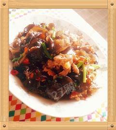 鱼香木耳炒肉片