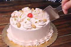 美味的生日戚风蛋糕