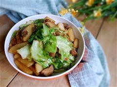 手撕包菜炒土豆