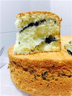 8寸黑芝麻夹心戚风蛋糕