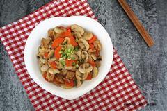 口蘑胡萝卜炒肉