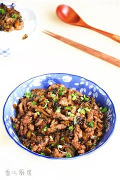 酸菜炒牛肉丝