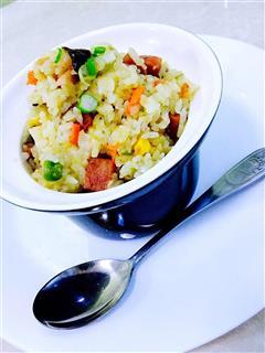 腊肉香菇焖饭