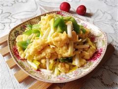 蒜黄青椒炒鸡蛋