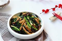 韭菜木耳炒肉丝
