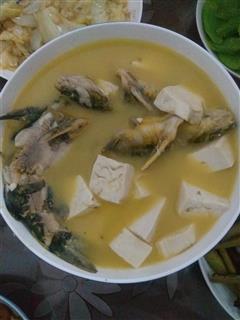 黄颡鱼豆腐汤