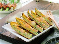 虾仁韭菜厚蛋饼