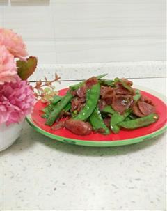 香肠炒荷兰豆