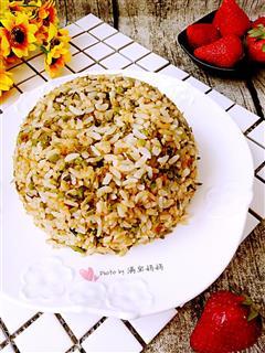 香椿蛋炒饭