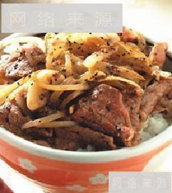 黑胡椒牛肉丼