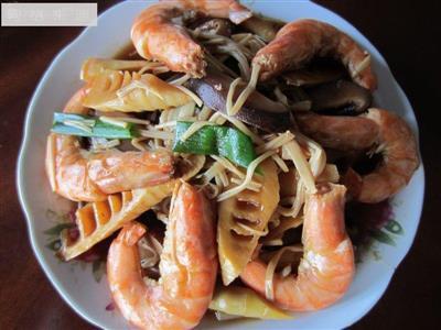 竹笋双菇烧大虾
