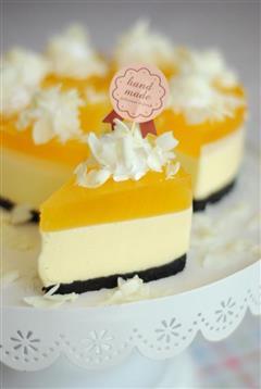 柠檬慕斯蛋糕