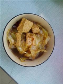 白菜炖豆腐  冬日暖心菜肴