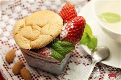 奶茶草莓蛋糕