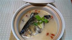 天麻鱼头豆腐汤