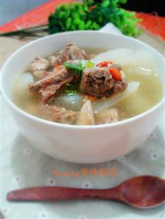 夏季清炖排骨萝卜汤