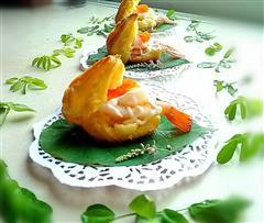 鱼子酱鲜虾泡芙