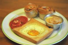 健康早餐-肉松面包 鸡蛋糕 荷包蛋面包