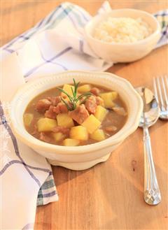咖喱牛肉炖土豆—冬