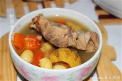 白果板栗骨头汤