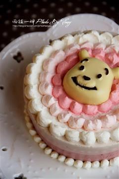 萌萌哒维尼熊三层慕斯蛋糕