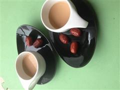 醇香的焦糖奶茶,让你幸福一整天