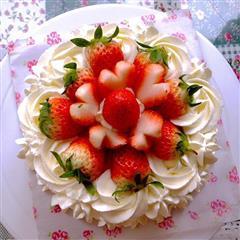 玫瑰草莓奶油慕斯蛋糕6寸