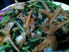 酸笋炒地瓜叶
