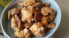 蘑菇烧鸡翅