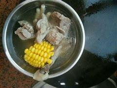 鸡脚猪骨头汤