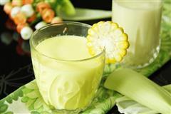 玉米汁瘦身玉米奶昔