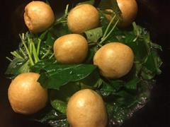 番薯叶燴面筋塞肉