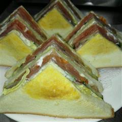 火腿煎蛋三文治