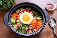国民老公宋仲基说,他最爱吃石锅拌饭的女生