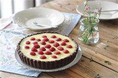白巧克力树莓塔