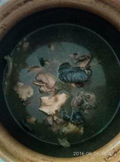 四物汤煲乌鸡